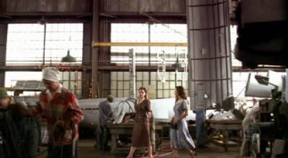 Cold Case 02x02 : Factory Girls- Seriesaddict